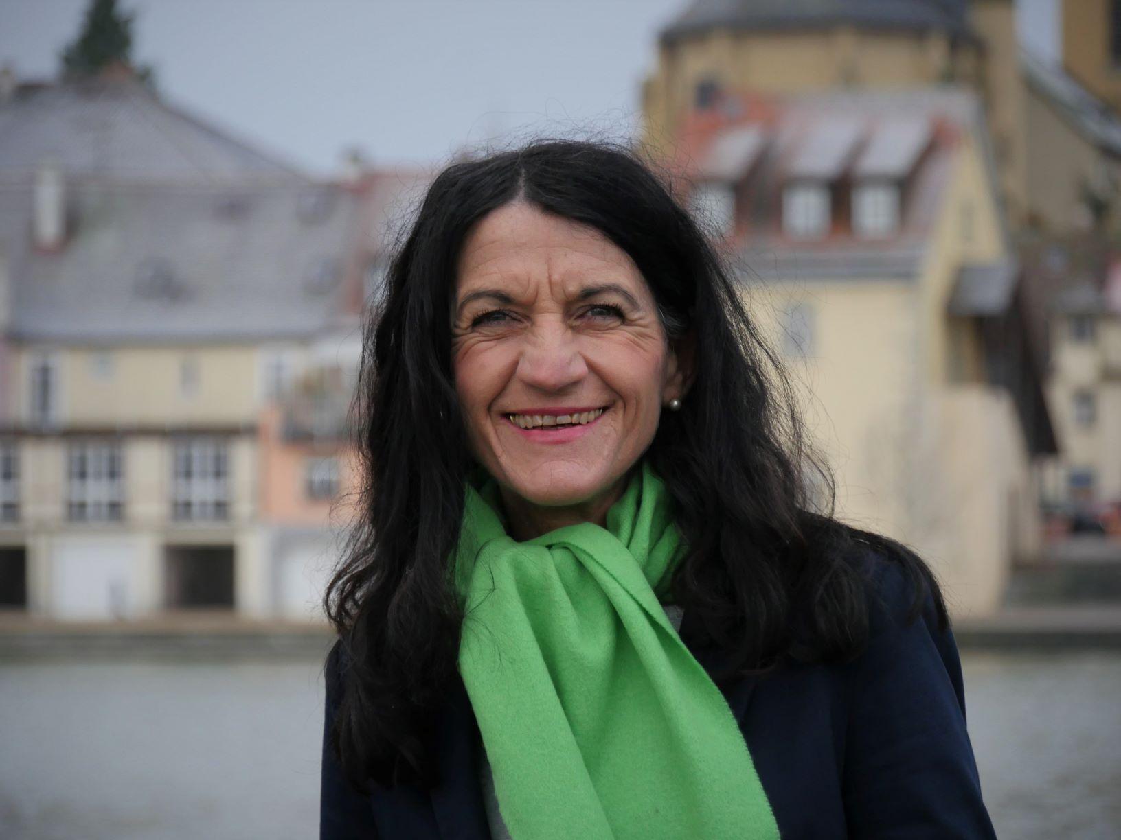Das Erstwähler*innen-Video ist da! Jetzt Videos mit OB-Kandidatin Andrea Schmidt ansehen!